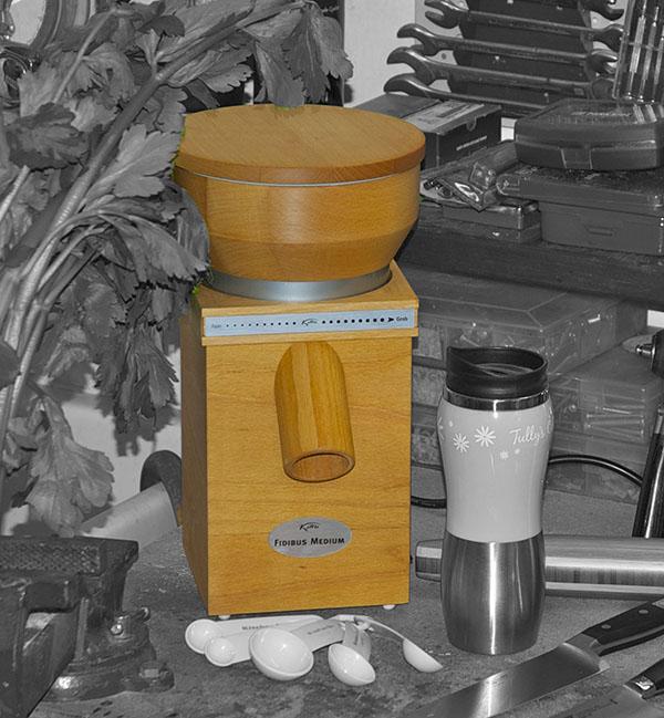mulino domestico in legno per cereali