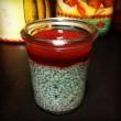 budino di semi di chia con salsa di fragole